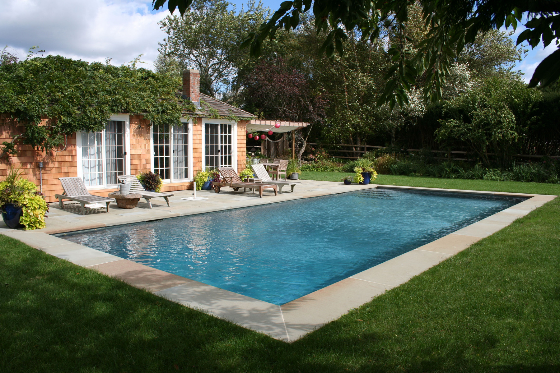 Gunite pool gallery pools by paul guillo for Pool design hamptons